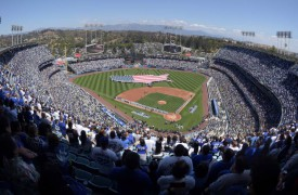 Dodgers News: Los Angeles Gives Back This Thanksgiving