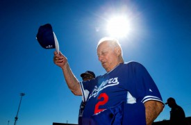 WATCH: Tommy Lasorda Returns to L.A. After Heart Surgery