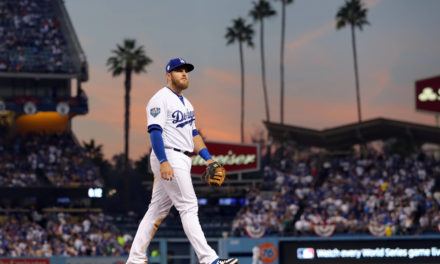 Dodgers: Max Muncy Leaves Ball Game Early; X-rays Come Back Negative