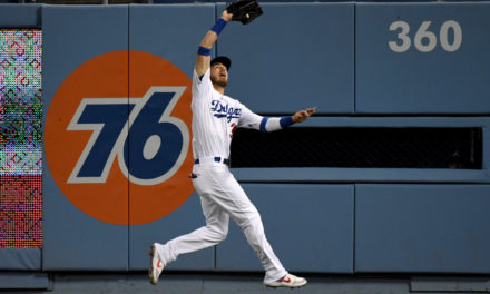 Dodgers Reportedly Taking Gold Glove Award into Consideration With Cody Bellinger